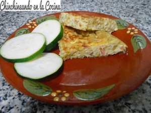 Tortilla-de-calabacín-con-jamón-serrano