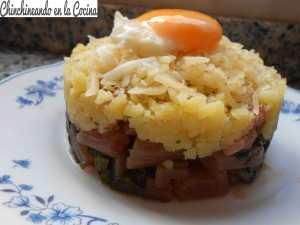 Acelgas rojas con patatas y huevo