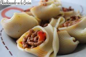 caracolas de pasta rellenas_