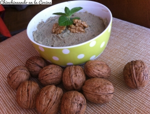 Hummus de albahaca y nueces