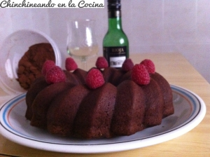 Bundtcake de chocolate y vino tinto