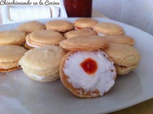 macarons-de-queso-de-cabra-y-mermelada-de-pimiento