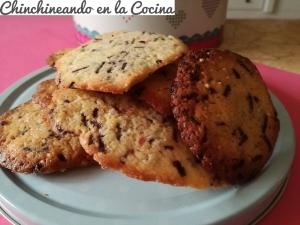 Maxicookies con fideos de chocolate y confeti