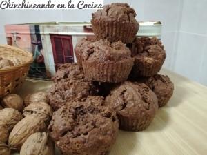 Magdalenas de espelta con nueces y cacao puro